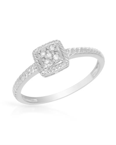 Engagement ring in 925 sterling silver size 5 was listed for r1 500