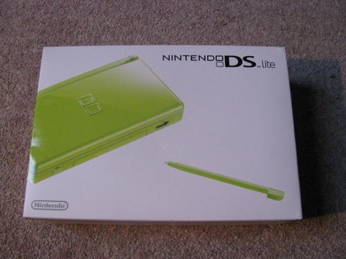 batteries chargers boxed nintendo ds lite console lime green incl charger new for sale. Black Bedroom Furniture Sets. Home Design Ideas