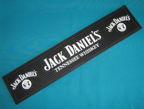 bar accessories jack daniel 39 s whiskey bar counter mat was sold for on 25 sep at 21 16. Black Bedroom Furniture Sets. Home Design Ideas