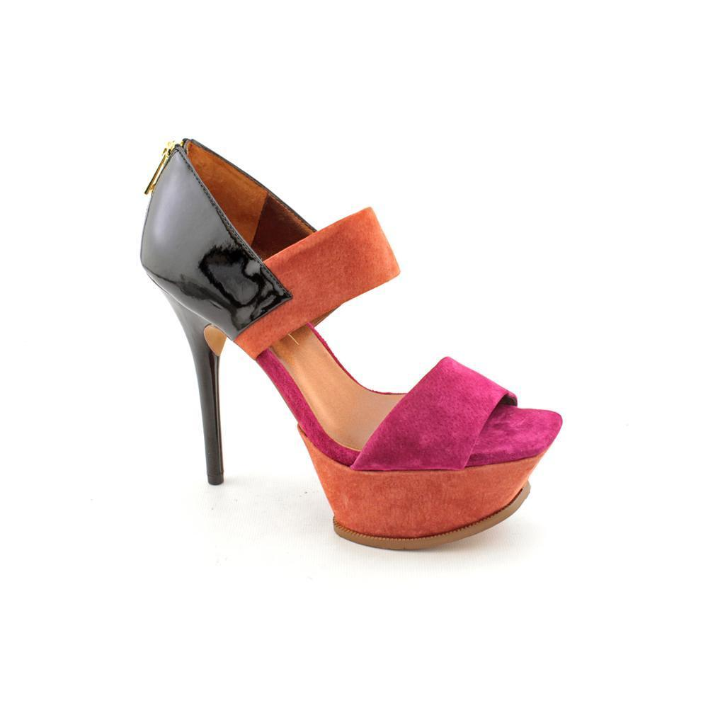 These cheap shoes are still totally on trend with the latest styles, and they come in a variety of different styles and sizes to suit any shopper's needs. Whether you're looking for the perfect pair of sneakers, boots or sexy high heels made for a night out, you'll find them at .
