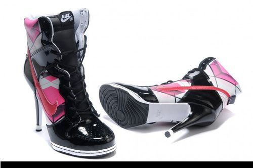 shoes nike high heel boot was listed for r2 000 00 on 6